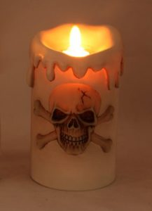 skull-candle-lit